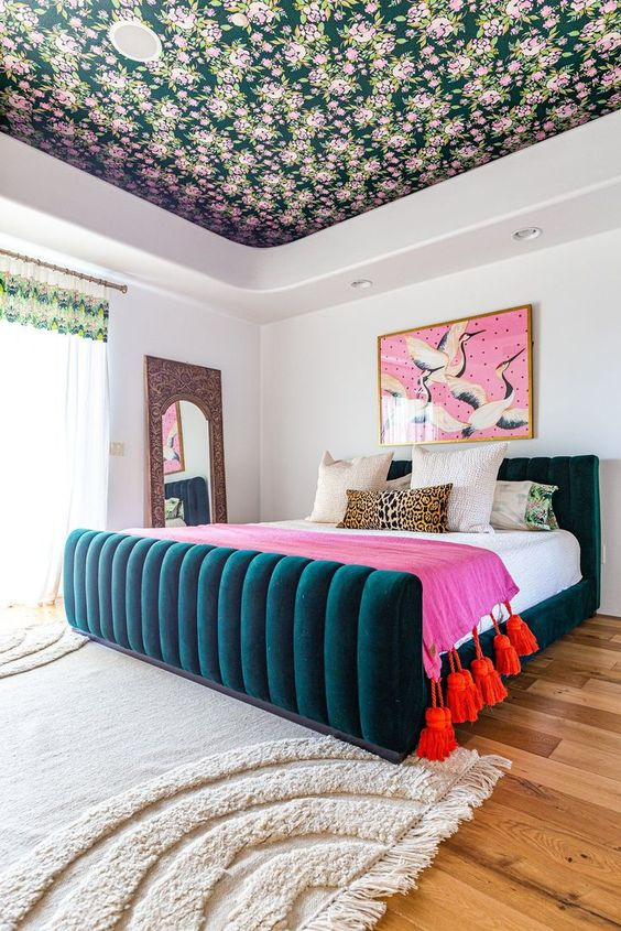 eclectic bedroom design that balance in art proportion