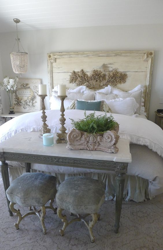 beige wall for shabby chic bedroom