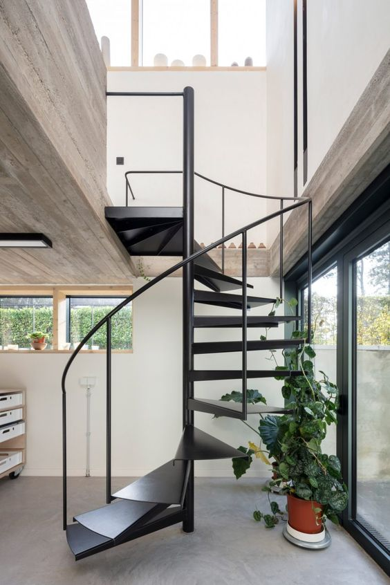 concreate staircase for tropical concreate house design