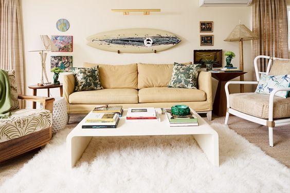 Hawaiian coastal living room idea