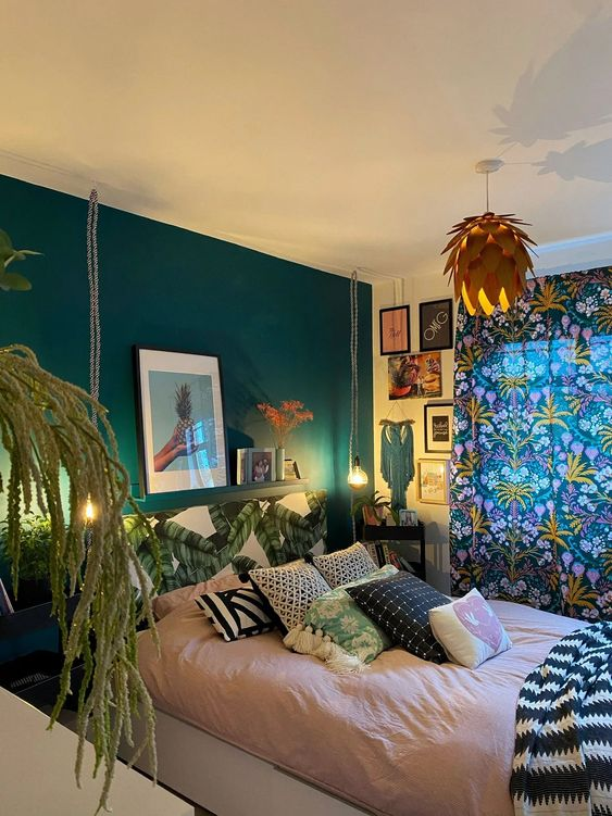 eclectic bedroom idea with filled art