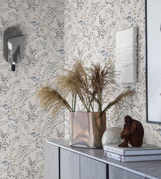 leaf wallpaper for coastal bedroom decor