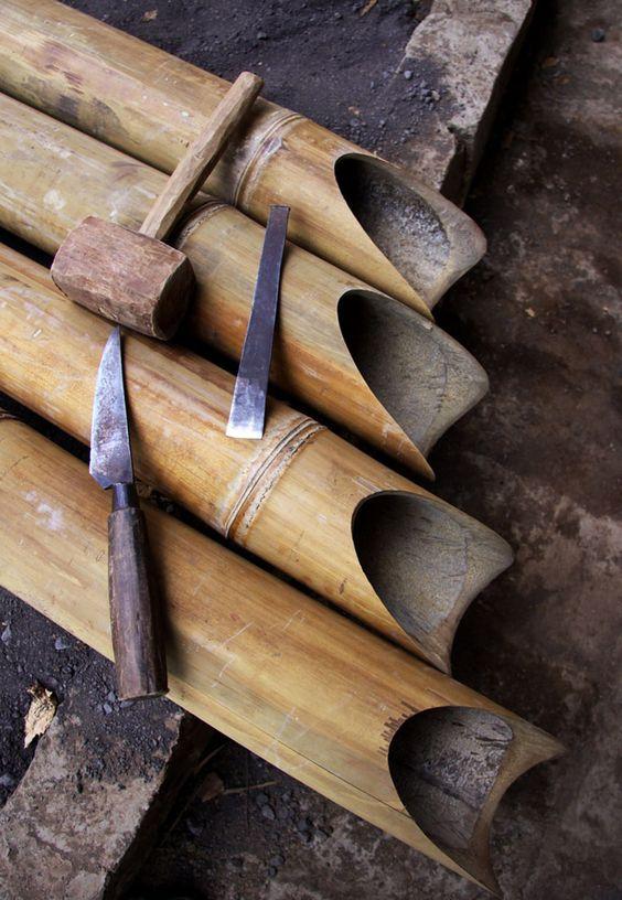 natural materials for create a Balinese garden