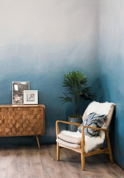 ombre accent wall inspiration for a nautical interior