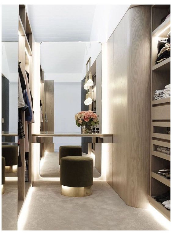 simple and elegant small walk-in wardrobe