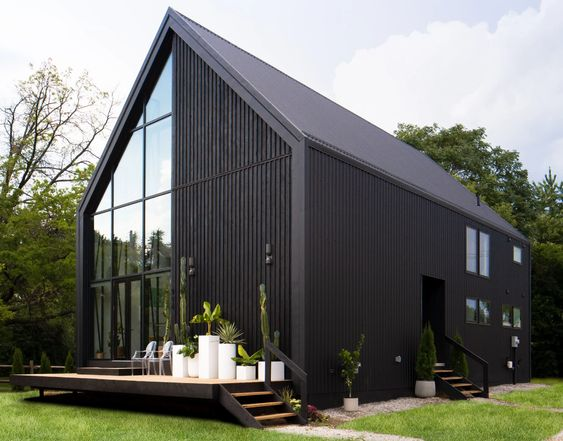 black house Scandinavian exterior home
