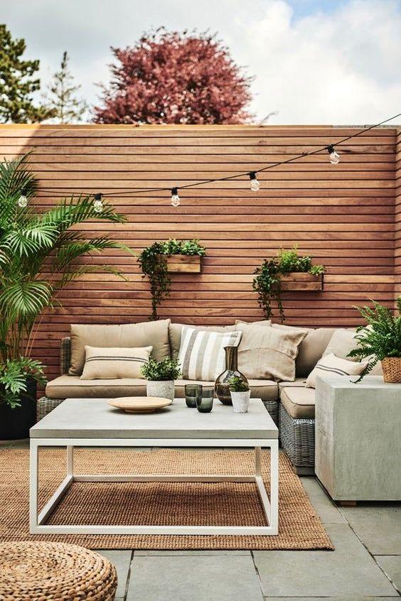 wood fencing for minimalist backyard
