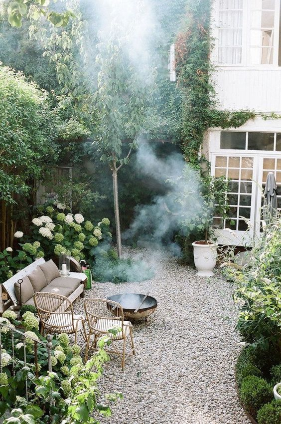 cozy small Scandinavian garden idea
