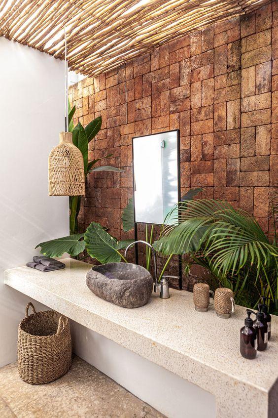 natural tropical bathroom decor