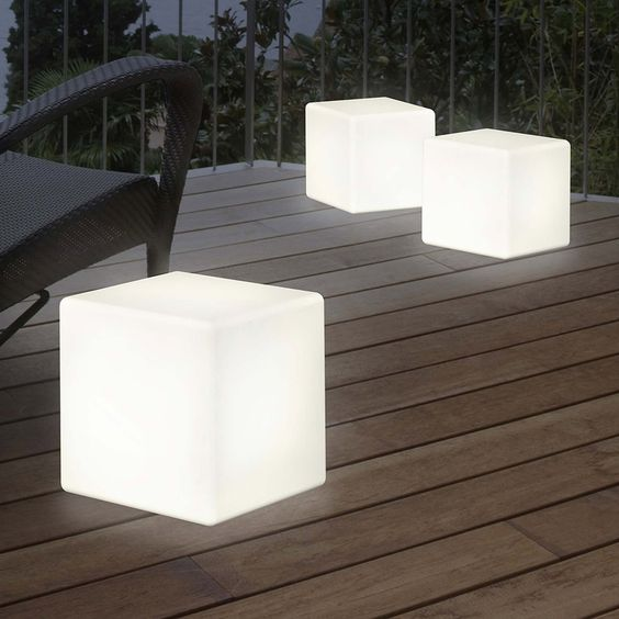 outdoor LED light to decorate Scandinavian outdoor space