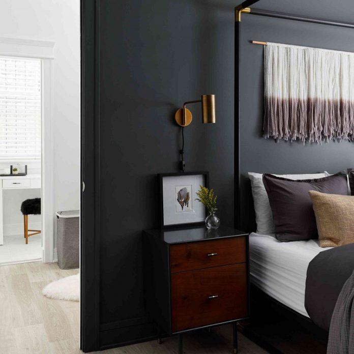 drammatic masculine bedroom wall colors