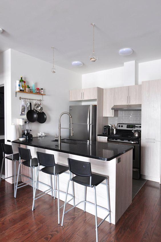 minimalist bachelor pad kitchen idea