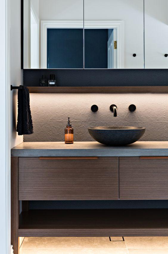 sleek and modern bachelor pad bathroom idea