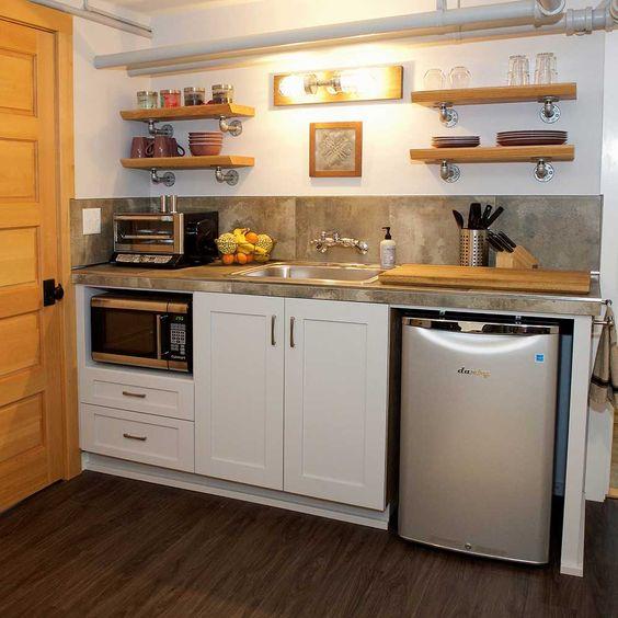 stylish small bachelor pad kitchen idea