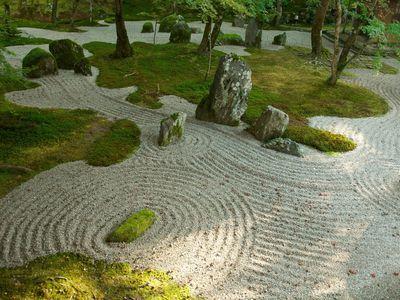 decorative Japanese garden gravel idea