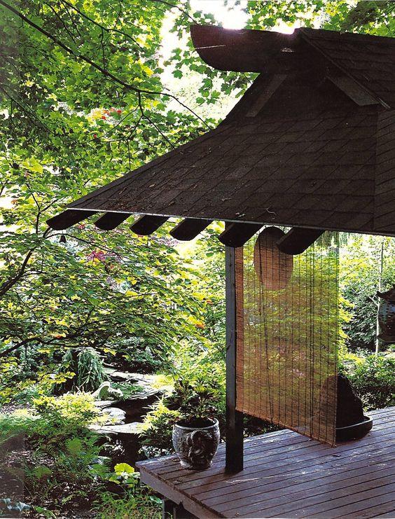 Creating pavilion in Japanese garden