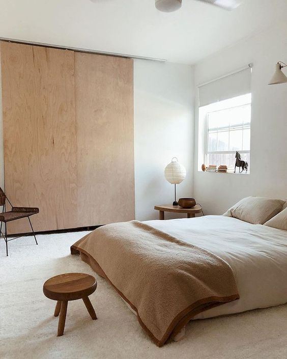 De-cluttered free and trendy Japandi bedroom style