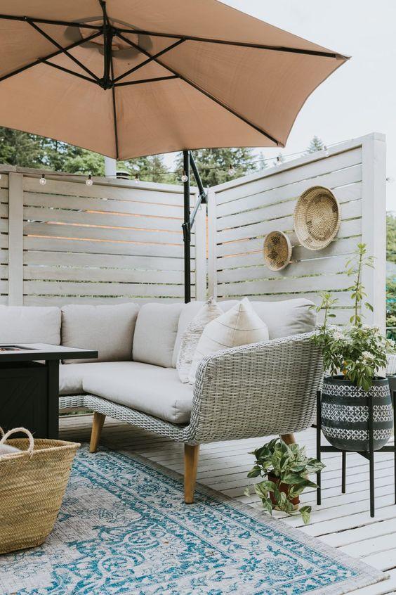 Nesting with grace patio decor idea